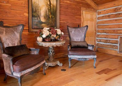 Exquisite furnishing at Honey Hollow Ranch